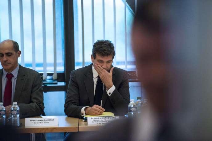 Arnaud Montebourg, ministre de l'économie, et son conseiller social, Jean-Claude Luciani, avant la réunion avec les représentants d'Alstom le 21 mai, à Paris.