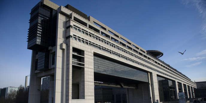 Le contrôle fiscal a permis de détecter 18 milliards d'euros de fraude en 2013 et d'engranger 10 milliards dans les caisses de l'Etat.
