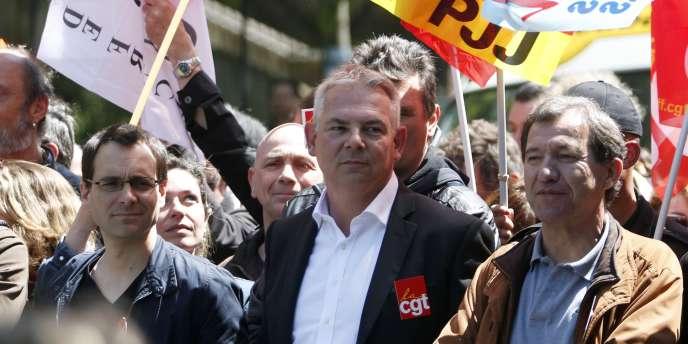 Thierry Lepaon pendant une manifestation de fonctionnaires à Paris, le 15 mai.