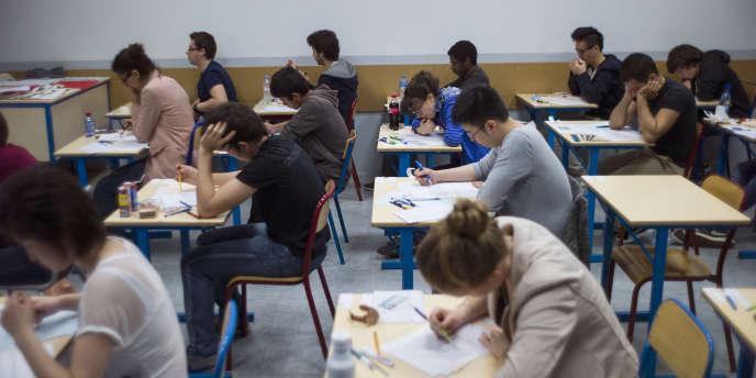 Epreuve du baccalauréat 2013, au lycée Arago, à Paris.
