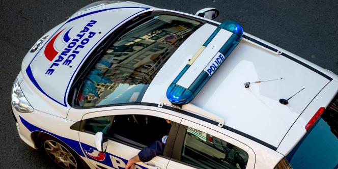 Selon RTL, le directeur de l'IUT a été frappé par deux hommes qui l'ont roué de coups de poing à la sortie d'une réunion. Il a porté plainte au commissariat du 20e arrondissement.