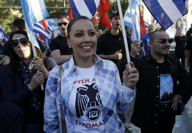 Des militants d'Aube dorée, le 14 mai à Athènes.