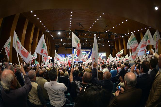 Un rassemblement de Forza Italia, à Rome, le 22 mai.