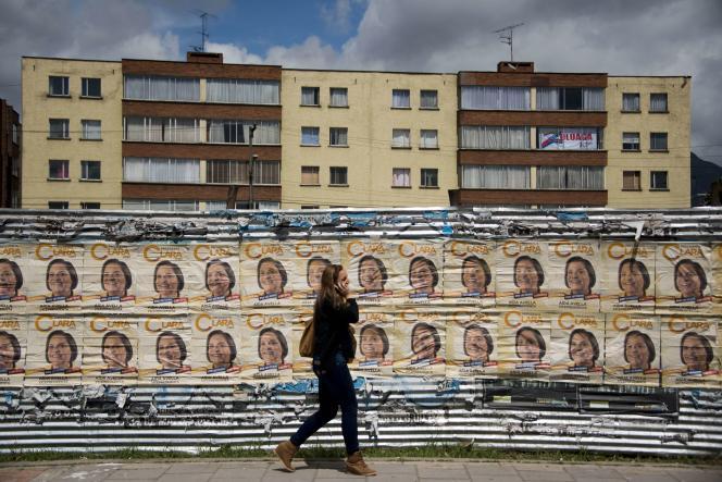 Des affiches de la candidate de gauche Clara Lopez, le 14 mai à Bogota.