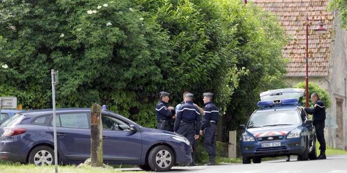 La gendarmerie a été saisie de l'enquête sur le meurtre du maire de Bretteville-le-Rabet.