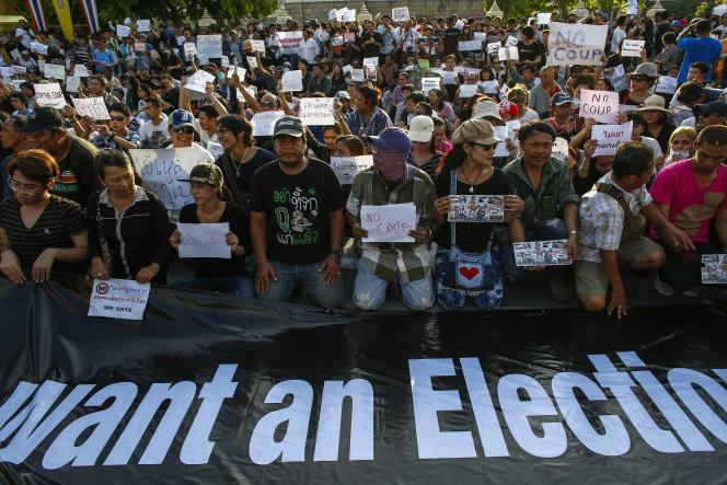 Manifestation samedi 24 mai dans les rues de Bangkok contre le coup d'Etat militaire.