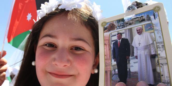 Le pape François est arrivé samedi 24 mai à Amman, en Jordanie, première étape d'un voyage de trois jours au Proche-Orient.