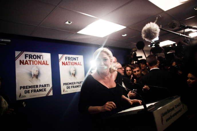 Pendant le discours de Marine Le Pen à Nanterre, le 25 mai.