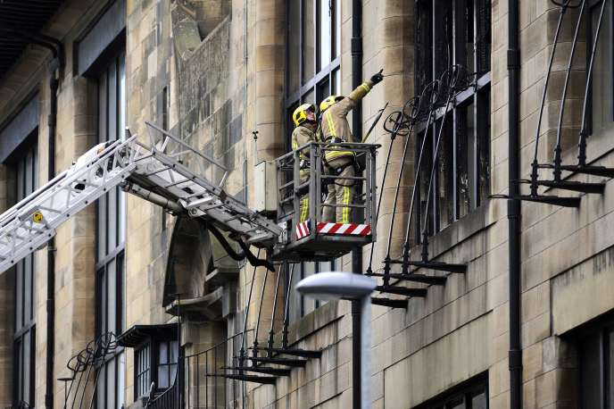Au lendemain de l'incendie qui a ravagé la Glasgow School of Art, vendredi 23 mai.