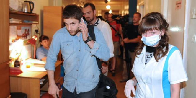 William Roguelon, photojournaliste pour l'agence Wostok Press, étaient avec un autre photographe et leur traducteur quand ils ont été visés par des tirs.