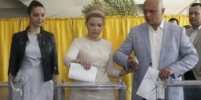 Ioulia Timochenko vote à Dnipropetrovsk, le 25 mai.