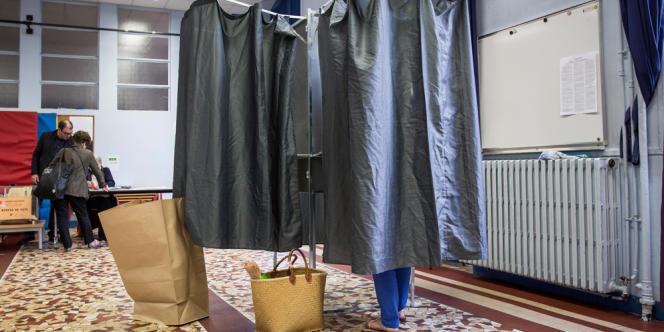 Un sondage Harris Interactive indique que 38 % des Français disent avoir voté pour exprimer leur insatisfaction contre le gouvernement.