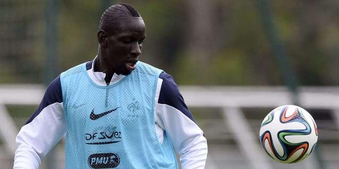 Mamadou Sakho, ici à l'entrainement le 21 mai à Clairefontaine, sera le capitaine de l'équipe de France lors du match amical contre la Norvège.