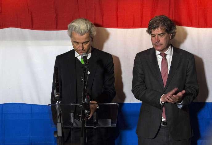 Geert Wilders en compagnie de Marcel De Graaff, candidat PVV aux européennes, le 22 mai, à La Haye.