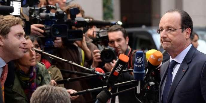 François Hollande à son arrivée à Bruxelles, mardi 27 mai.