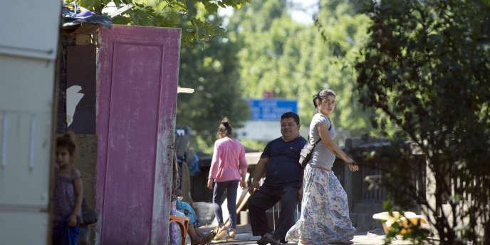 Une dizaine de camps ont été démantelés mardi 27 mai à Corbeil-Essonnes, un à Bezons et un à Aubervilliers, en région parisienne.