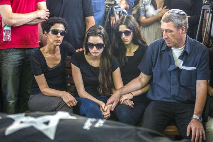 Les funérailles des deux victimes israéliennes de la tuerie du Musée juif de Belgique, à Bruxelles, ont été célébrées mardi 27 mai, à Tel-Aviv.