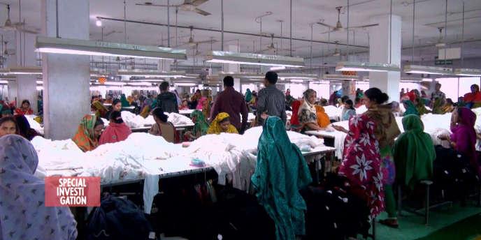Au Bangladesh, pour répondre à des commandes, le temps devant les machines pourrait aller jusqu'à 80 heures par semaine.