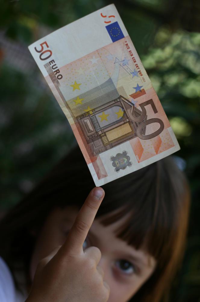 La dette publique brute de la France a augmenté de 45,5 milliards d'euros entre le dernier trimestre 2013 et le premier trimestre 2014, pour atteindre 1 985,9 milliards d'euros à fin mars.