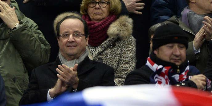 François Hollande, lors de la rencontre France-Ukraine, au Stade de France, le 19 novembre 2013.