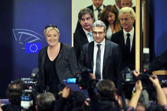 Marine Le Pen au Parlement européen à Strasbourg, mercredi 28 mai, juste avant de donner sa conférence de presse.