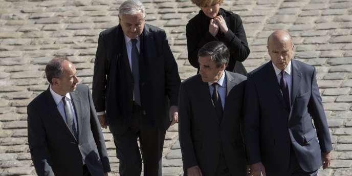 Jean-François Copé, Jean-Pierre Raffarin, François Fillon et Alain Juppé le 15 avril lors d'une cérémonie aux Invalides à Paris.