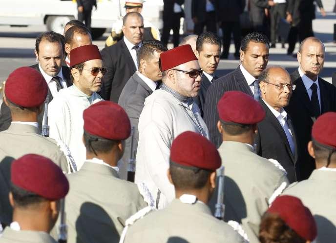 Le roi du Maroc Mohammed VI et le président tunisien Moncef Marzouki, le 30 mai à Tunis.