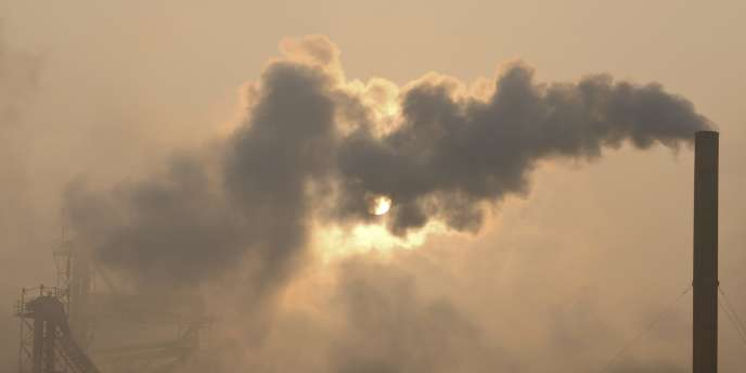 Fin 2012, l'Union européenne avait réduit de plus de 19 % ses émissions de gaz à effet de serre par rapport aux niveaux de 1990, selon l'Agence européenne pour l'environnement.