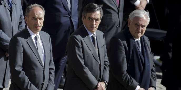 «Les soupçons et les affaires nous ont blessés», c'est le «chaos», a lancé M. Fillon.