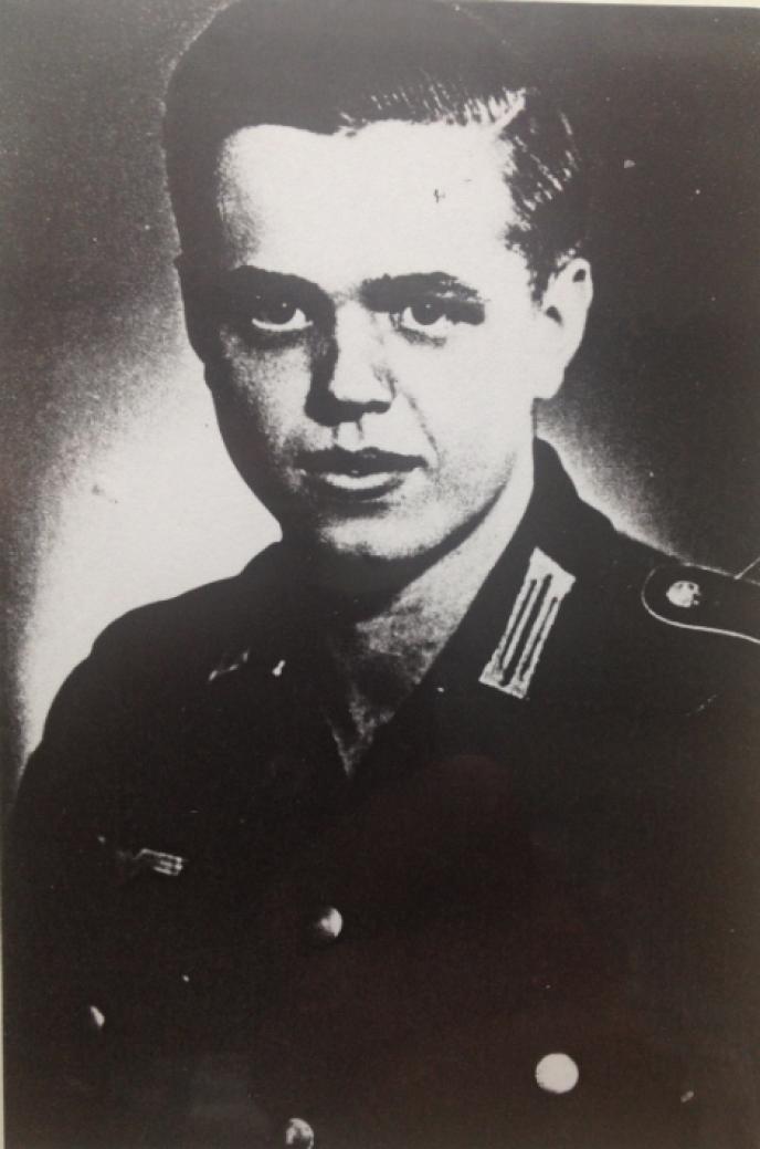 Le 6 juin 1944, Franz Gockel, 18 ans, se trouve derrière une mitrailleuse, près d'un bunker de Colleville-sur-Mer, au-dessus d'Omaha Beach.