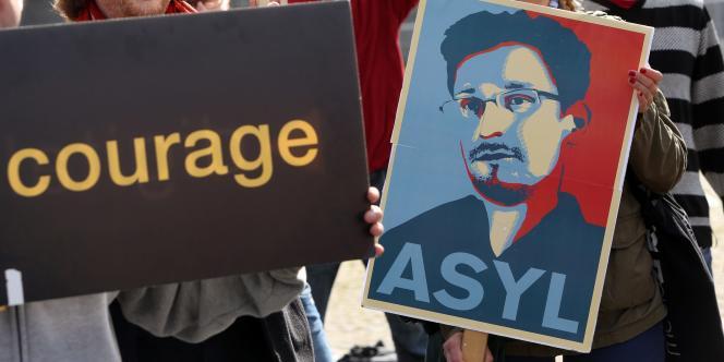 Lors d'une manifestation en Allemagne en soutien à Edward Snowden.