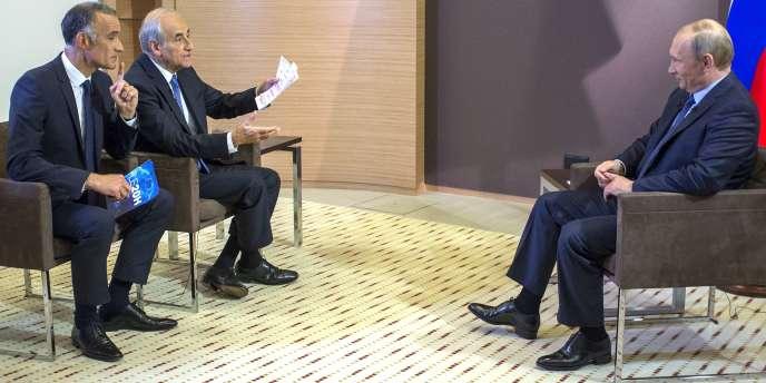 Vladimir Poutine, le 4 juin lors de son entretien accordé à TF1 et Europe 1.