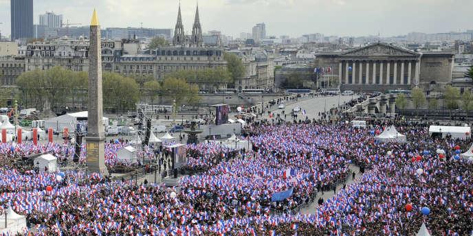 Au meeting de Nicolas Sarkozy, place de la Concorde, le 15 avril 2012.
