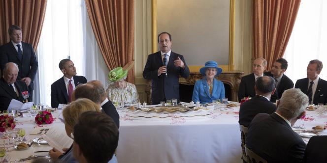 François Hollande avant le début du déjeuner officiel, le 6 juin.