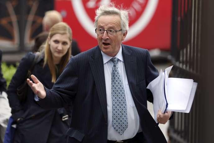 Arrivée de Jean-Claude Juncker à une réunion du PPE, le 27 mai à Bruxelles.