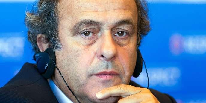 Michel Platini, président de l'UEFA, est contre la candidature de Sepp Blatter à la tête de la FIFA.