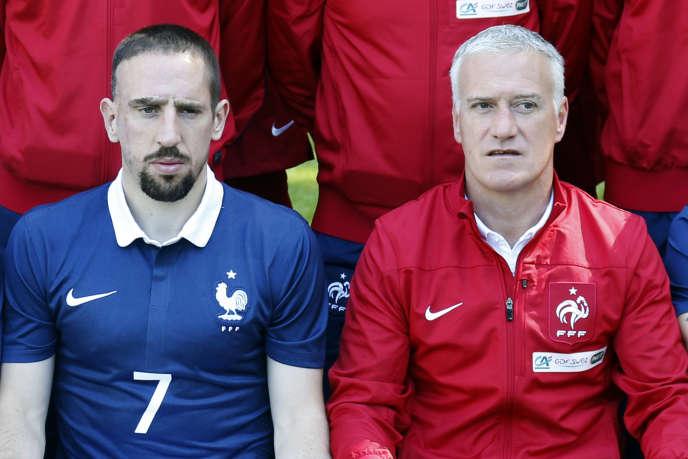 Franck Ribéry et Didier Deschamps, lors de la photo officielle des Bleus le 6 juin à Clairefontaine.