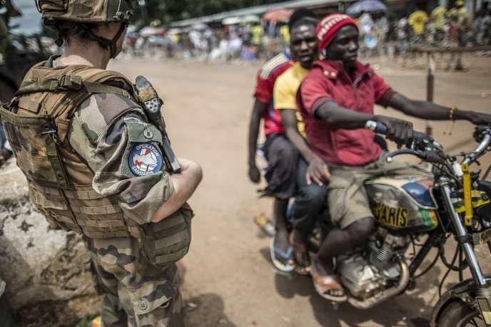 Un soldat français de l'opération Sangaris, mercredi 4 juin à Bangui.