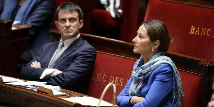 Le premier ministre Manuel Valls et la ministre de l'écologie Ségolène Royal, à l'Assemblée nationale, le 8 avril.