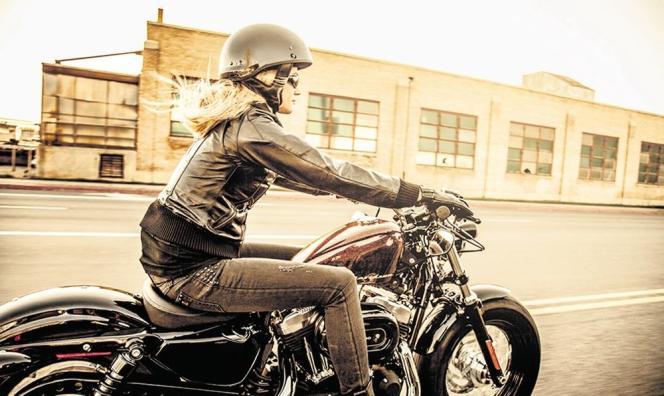 Modèle Harley-Davidson Forty-Eight. Le groupe américain engrange les bénéfices. Il a gagné 734 millions de dollars (538 millions d'euros) en 2013 pour un chiffre d'affaires de 5,9 milliards.