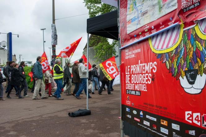 Alors que des annulations massives de festivals se profilent cet été, Manuel Valls, a confié au député PS Jean-Patrick Gille une « mission de propositions » sur l'assurance-chômage des professionnels du spectacle.
