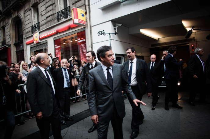 Comme prévu, Alain Juppé et François Fillon (photo) ainsi que Jean-Pierre Raffarin vont assurer l'intérim jusqu'à l'automne. Cette direction collégiale va être assistée d'un secrétaire général, Luc Chatel.