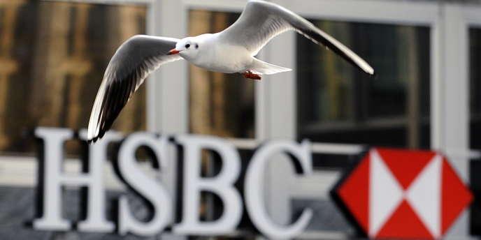 Plusieurs banques, dont HSBC, ont commencé à clore des comptes dans les îles anglo-normandes sous la pression des autorités britanniques.
