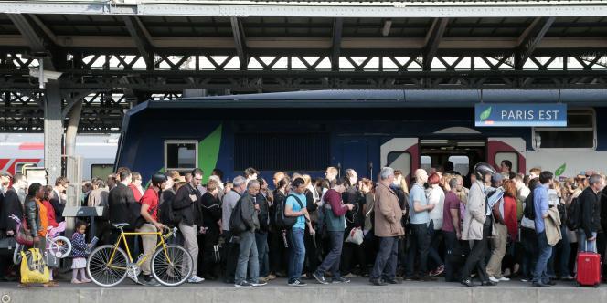 La grève des cheminots est suivi par 27 % des salariés de l'entreprise ferroviaire mercredi 11 juin.