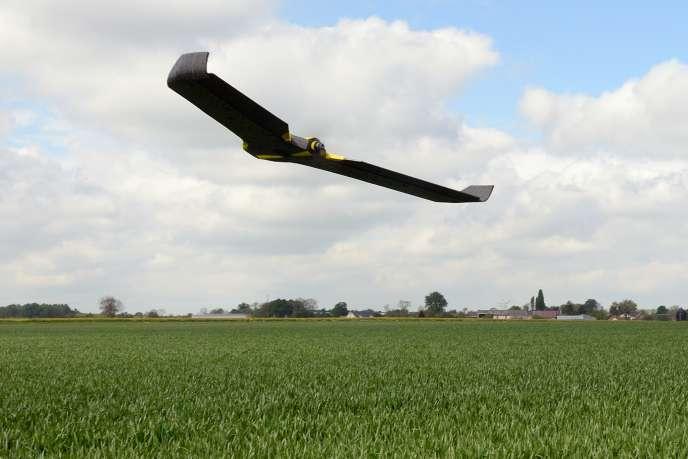 Le drone acquis par la chambre d'agriculture de la Somme en vue d'évaluer le taux de fertilisants des champs.