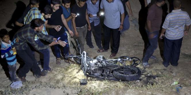 Selon des témoins, les deux hommes à moto étaient des militants radicaux salafistes.