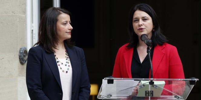 Cécile Duflot et Sylvia Pinel lors de la cérémonie de passation de pouvoirs au ministère du logement, le 2 avril.