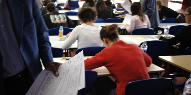 Crise des recrutements ou hémorragie : face à l'augmentation du nombre de postes ouverts via les concours de l'enseignement, le nombre de candidats admissibles au Capes ne suffit pas.