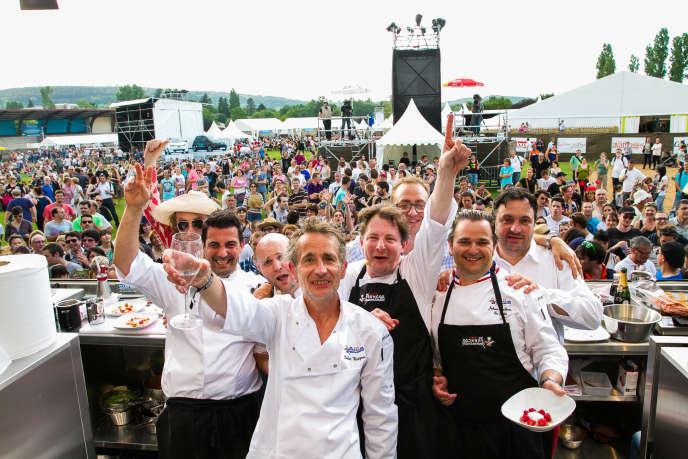 Didie Wampas, du groupe des Wampas, avec les cuisiniers Jacques Genin, Lionel Levy, Johan Leclerre, Yves Camdeborde au festival Les Francos gourmandes