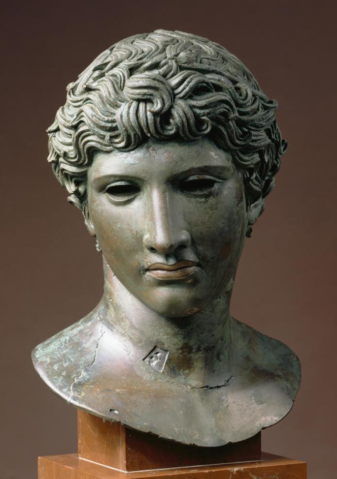 Tête dite « de Bénévent », bronze, cuivre, Herculanum, Italie, vers 50 av. J.-C;